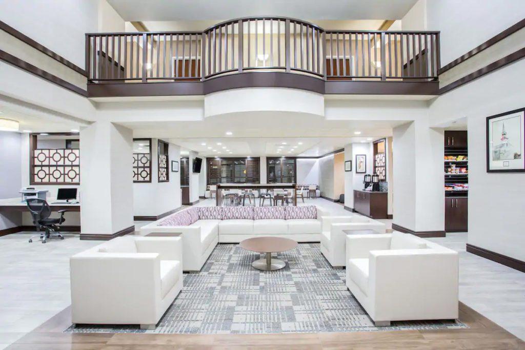 Wingate Lobby